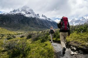 Hiking in the mountains: what should you avoid?